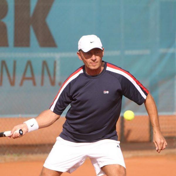 Matthias Lösch in Aktion. (Foto: SKVTTV Büttelborn - Tennis)