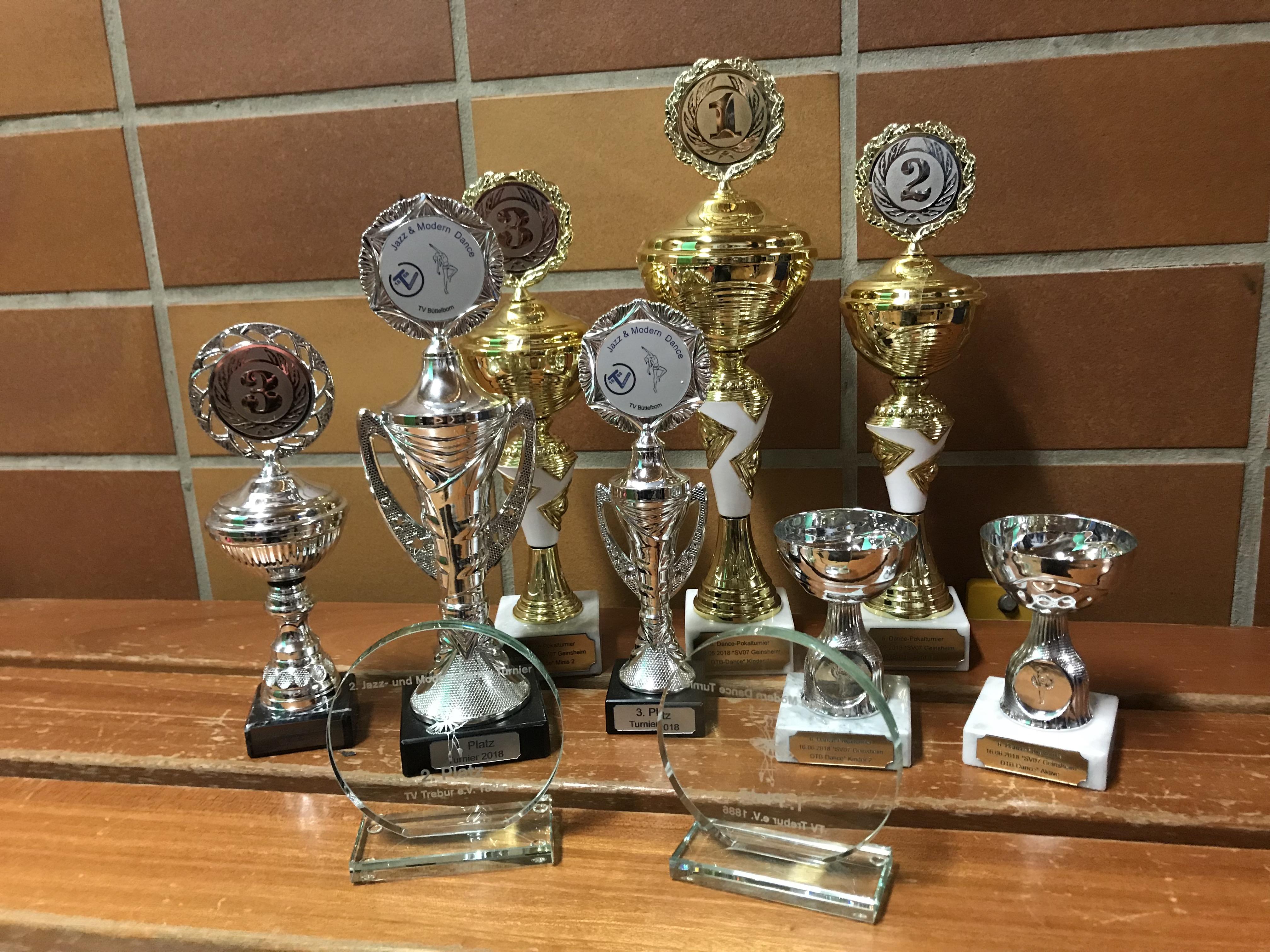 Vier Turniere – 11 Pokale