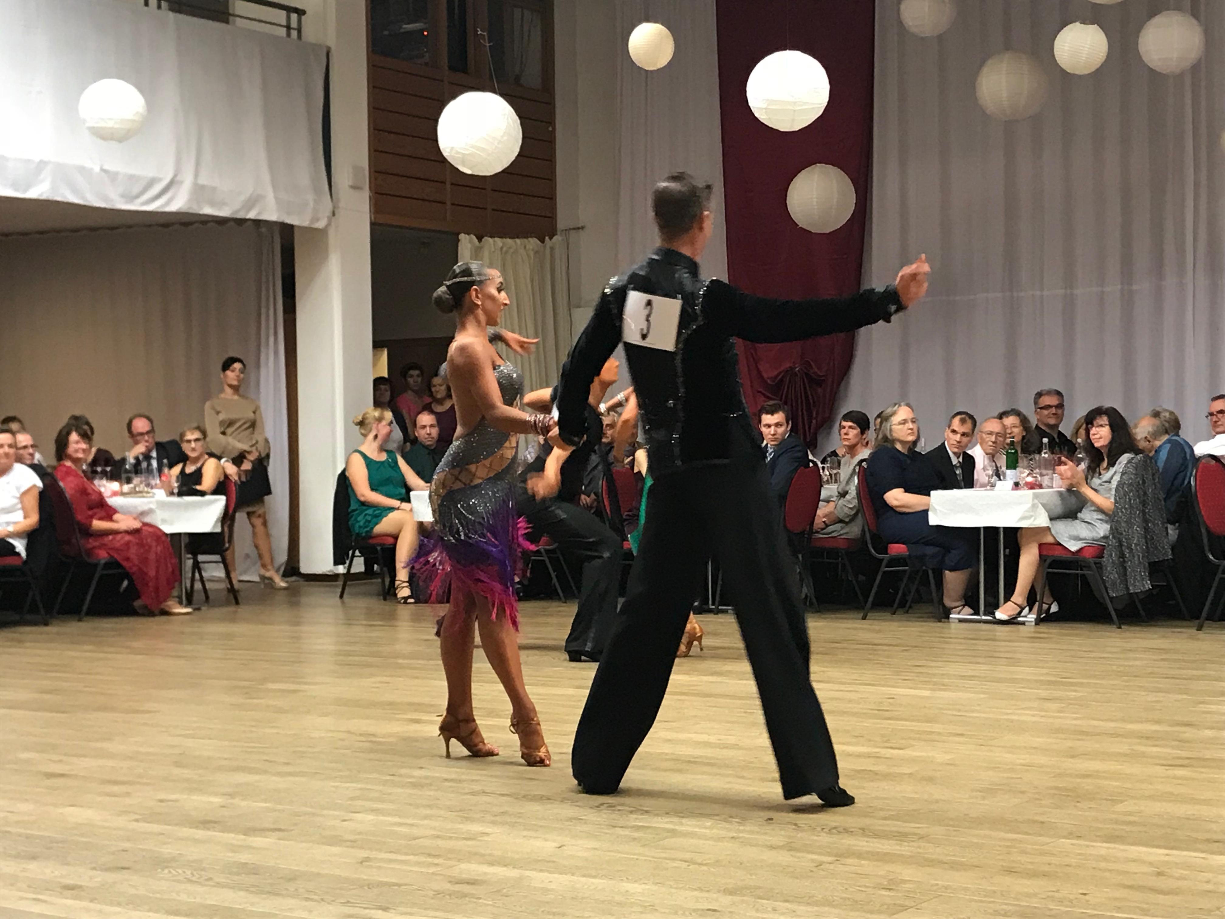 Herbstball zum 30-jährigen Jubiläum des Tanzkreises