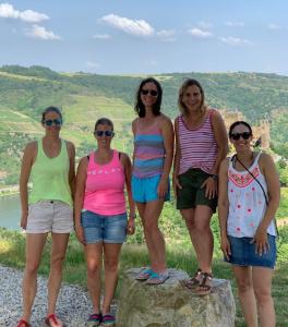 "Auf dem Bild sind: Sina Senßfelder, Melanie Buda, Alexandra Groß, Tanja ""Jonsey"" Zehnder undTanja Grupe."