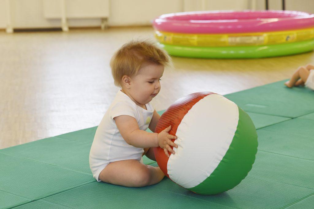 babys in bewegung